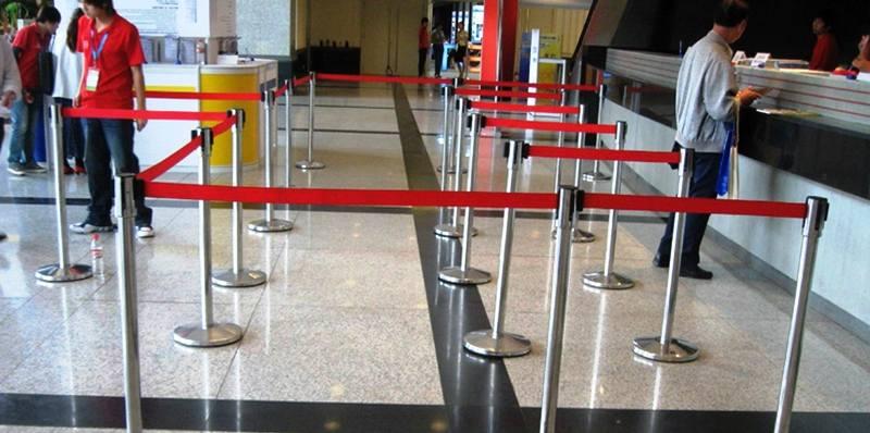 cột phân làn inox sân bay